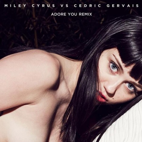 miley-black-wig-topless